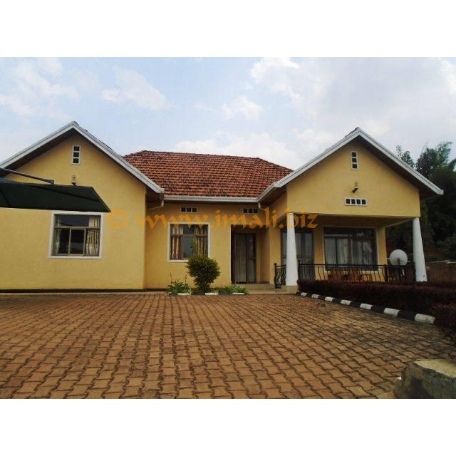 A FURNISHED 4 BEDROOM HOUSE FOR RENT@GACURIRO